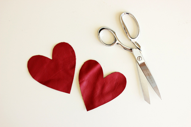 sequined_leather_heart_patch_diy_1