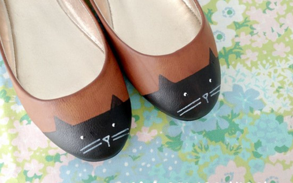 painting-on-shoes-banner