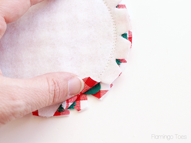 sewing-rickrack-to-coaster-5