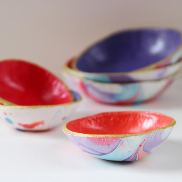 nail-varnish-marbled-bowls-banner2